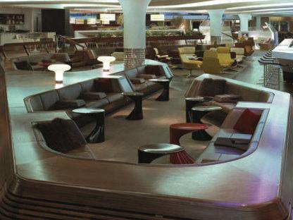 Sunken lounge. Heathrow (London). Softroom. 2006