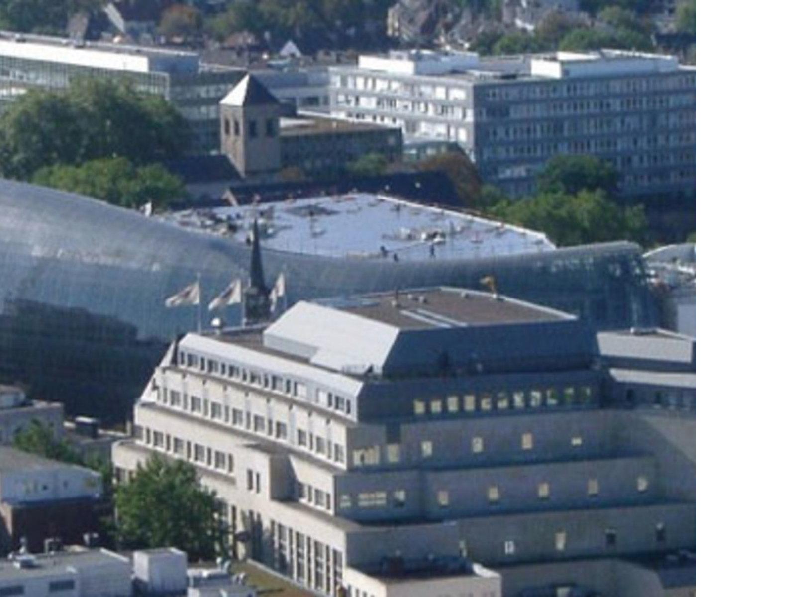 Peek & Cloppenburg. Cologne. Renzo Piano. 2005