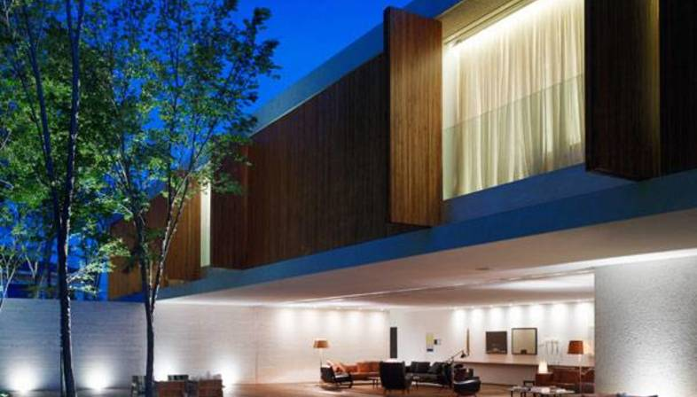 The Panamà home: open and closed on the city