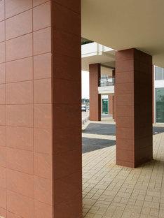 Columns covered with Porcelaingres' Rupas