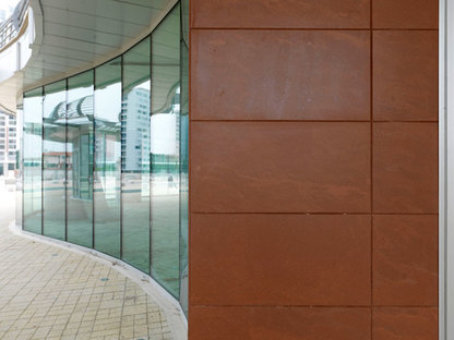 Porcelaingres's Rupas cladding complete with glass surfaces