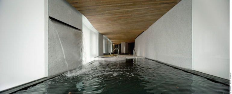 The spa as seen from the hydromassage tub