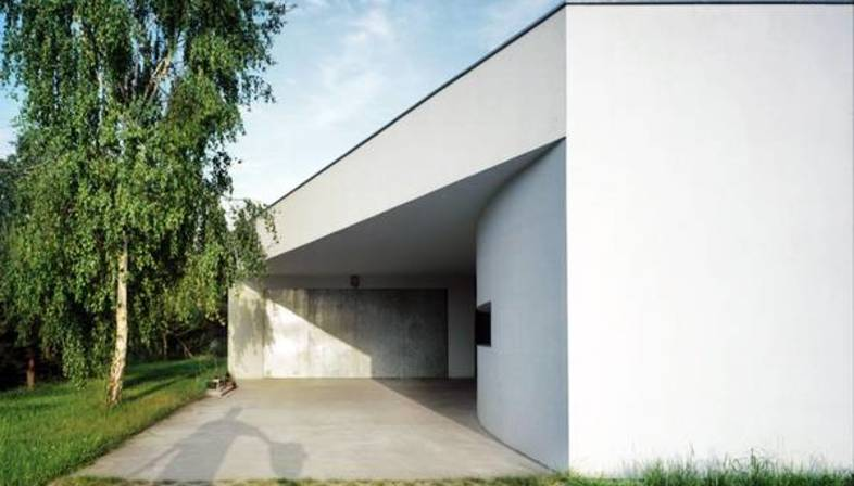 KWK Promes: outrial house in Warsaw