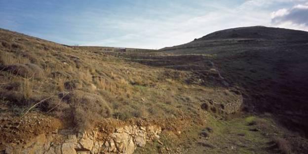 View of the dry stone wall, Ph. Erieta Attali