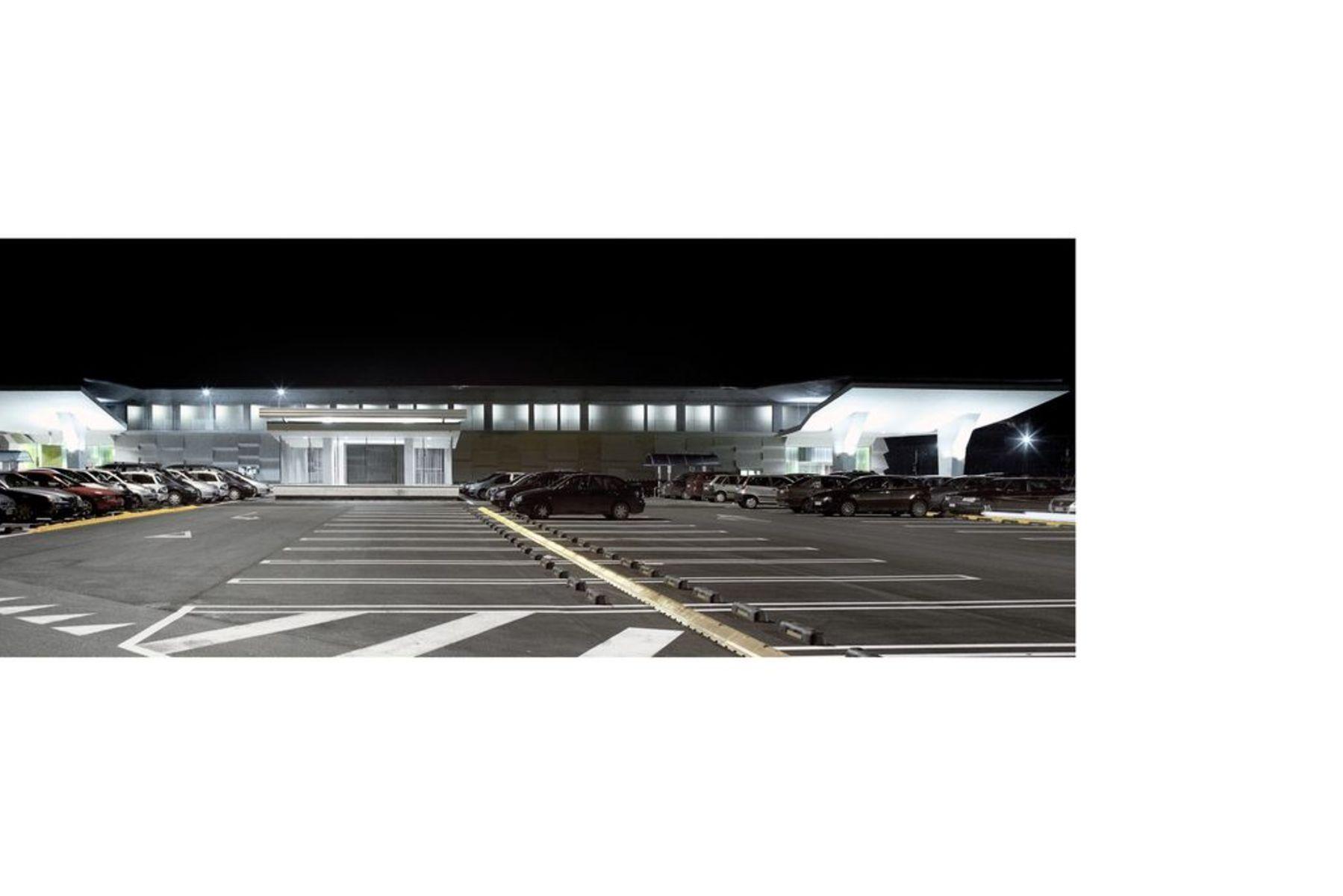Cherubino Gambardella: Liz Gallery shopping centre