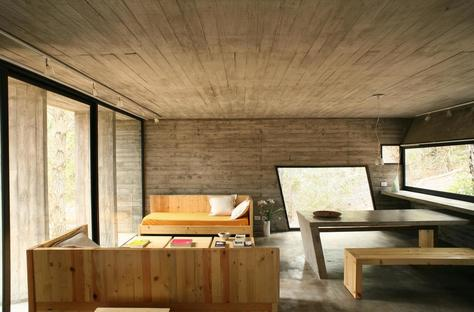 BAK: minimal cement home in Mar Azul