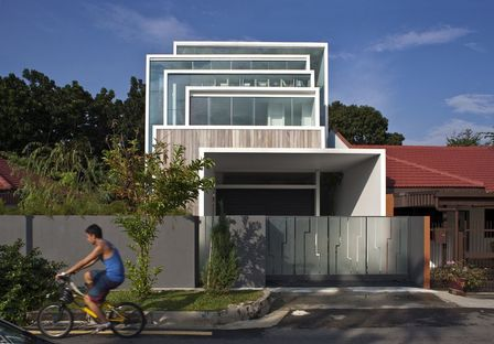 Chang Architects: house surrounded by nature in Singapore