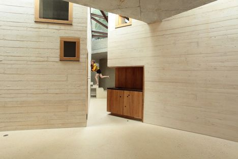 Pottgiesser: Maison L, living units surrounded by greenery
