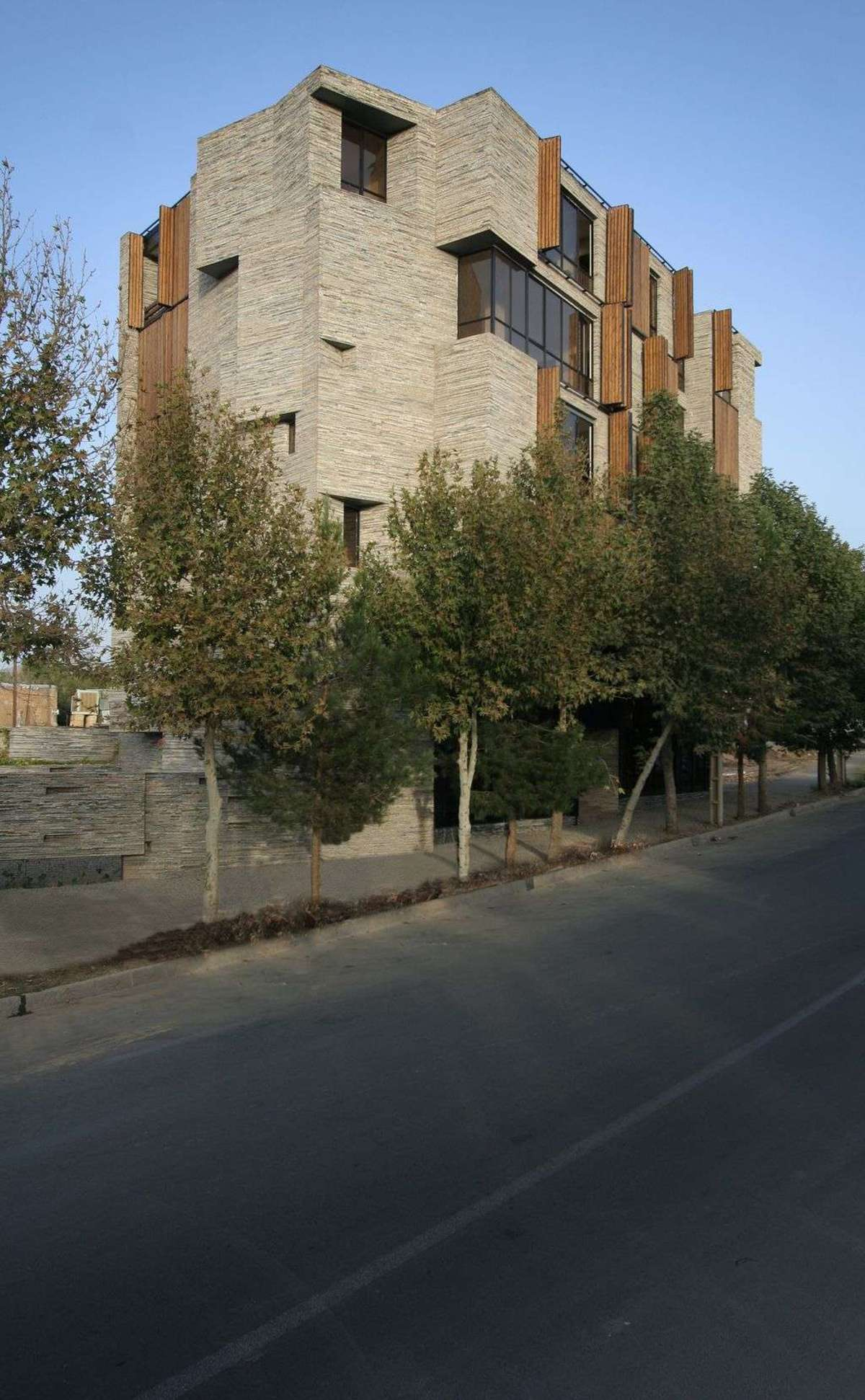 Mehdizadeh Architecture With Recycled Cladding In