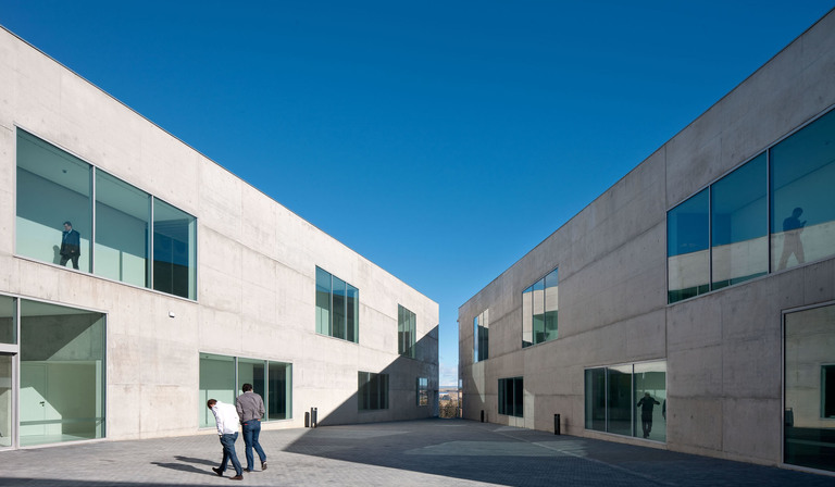 Taller Bàsico de Arquitectura: Faculty of medicine in Zaragoza