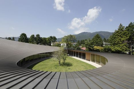 Shigeru Ban: villa in Sengokubara, Hakone (Japan)