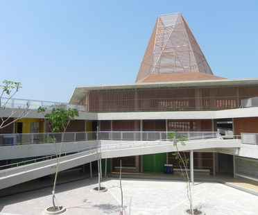 Mazzanti's new Pies Descalzos School in Cartagena