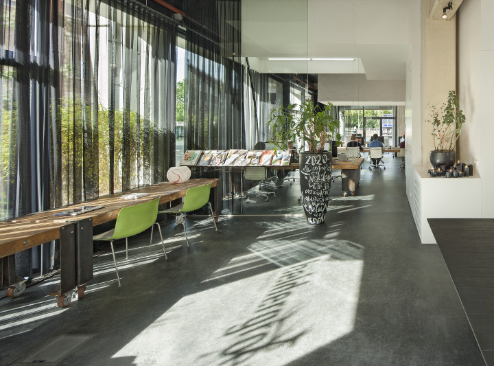 Studio Heldergroen And A Multipurpose Office Space