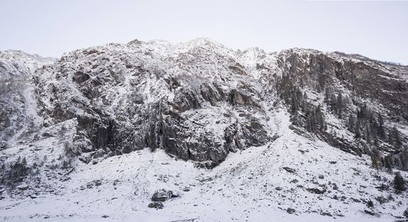 Antoine or an experience in the Swiss Alps, Bureau A