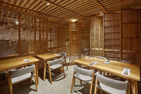 Nozomi Sushi Bar by Masquespacio