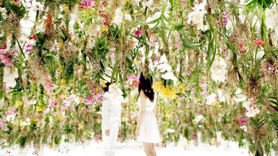 Floating Flower Garden in Tokyo by teamLab