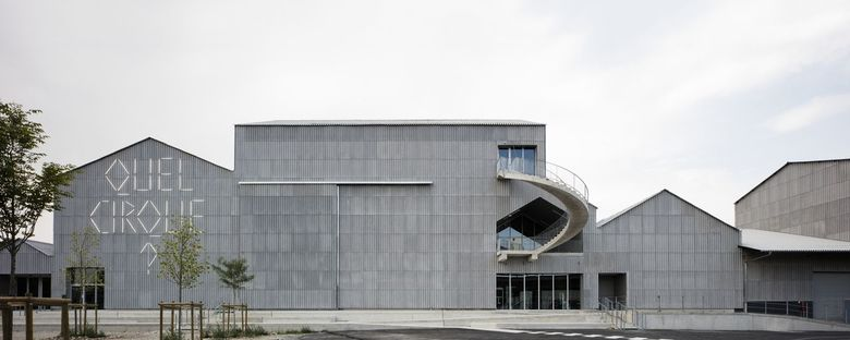 CNAC, architecture and circuses