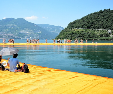 Webcreativity or the success of The Floating Piers