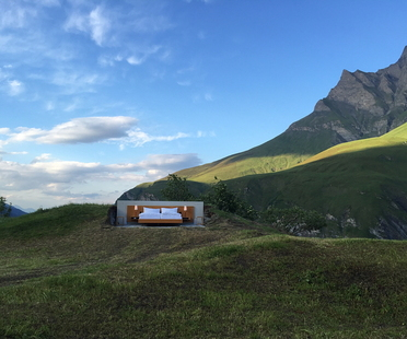 Sleeping on a mountain with Null Stern Hotel