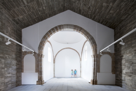 The reincarnation of a chapel as a cultural centre.