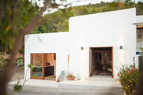 Little House in the Campo by Standard Studio and Ibiza Interiors