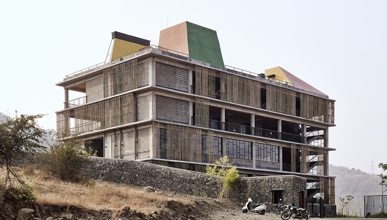 Avasara Academy in Pune by Case Design
