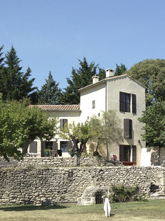 Extension of a farmhouse in Provence