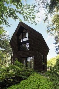 A cottage in the forest by YH2