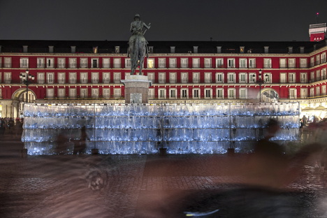 PlasticWaste Labyrinth by LuzInterruptus in Plaza Mayor, Madrid