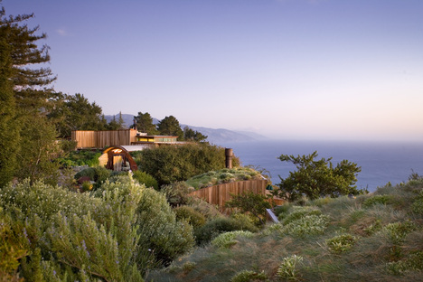 Post Ranch, green accommodation in California