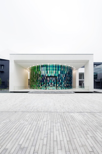 Rainbow Chapel in Shanghai by COORDINATION ASIA