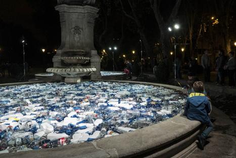 Plastic Islands, an installation by Luz Interruptus
