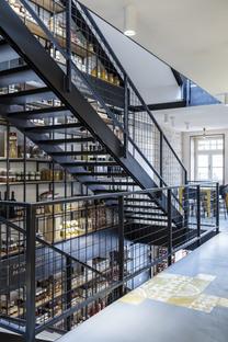 Roland Baldi Architects has designed Italia&Amore in Bolzano
