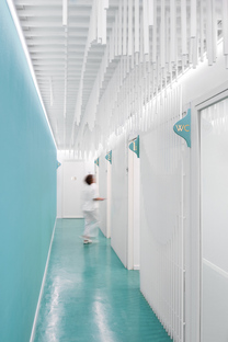 Masquespacio, a smile for a dental clinic