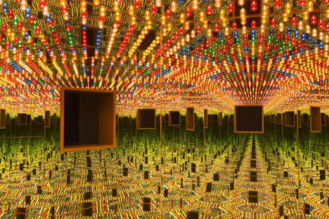 "The ""Yayoi Kusama. Infinity Mirrors"" Exhibition reached Canada"