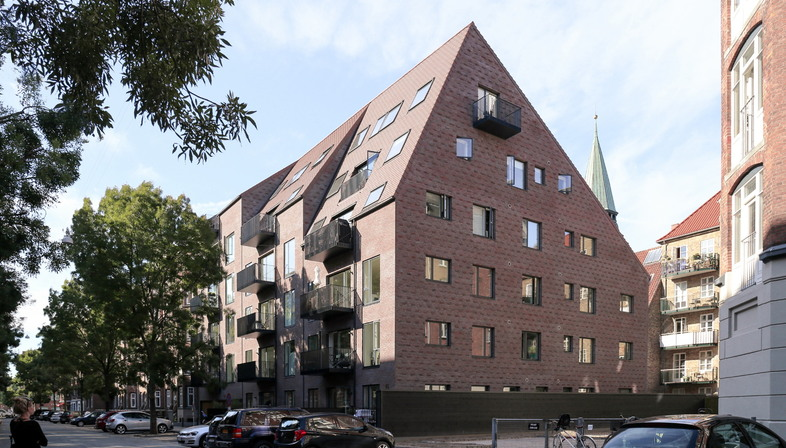 Thurøhus by Studio EFFEKT, synergy with the context