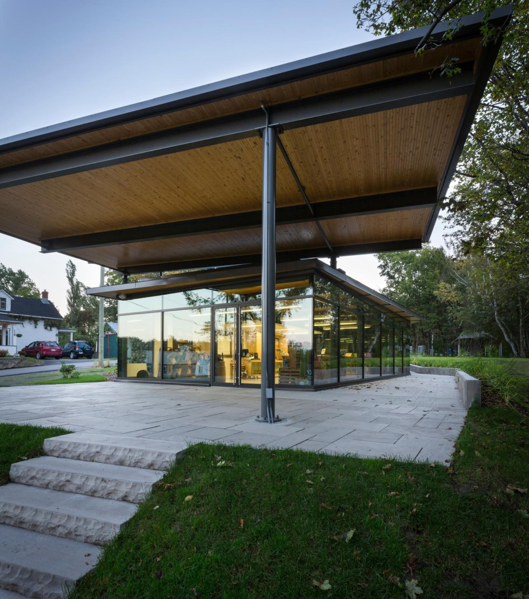 Landscape Pavilion By Anne Carrier Architecture