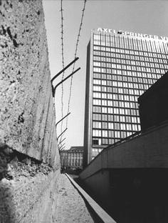 Unbuilding Walls, Germany's pavilion at the Biennale di Venezia