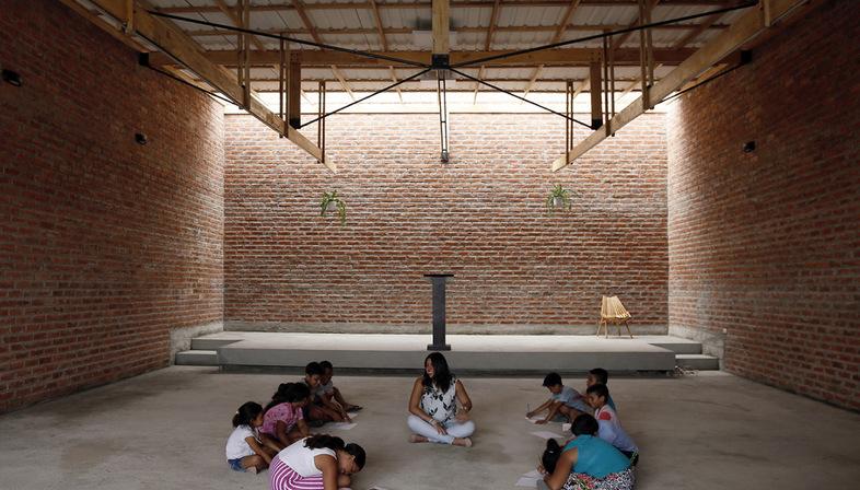 Natura Arquitectura Futura and the House of Prayer