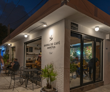 Impetus, café and coffee roasting in Veracruz by RED Arquitectos