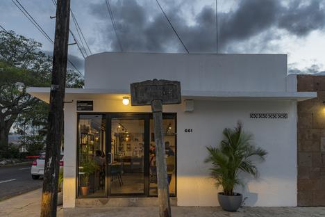 Impetus, café and coffee roasting in Veracruz by RED Arquitectos