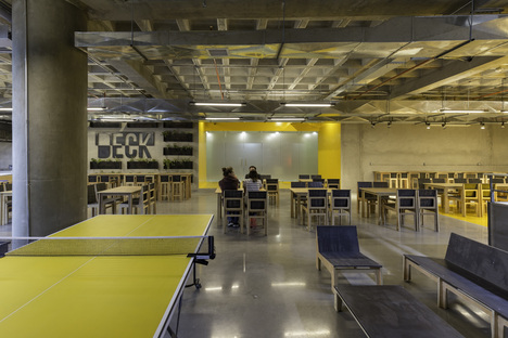 DECK restaurant by RAMA Estudio, a LEED-certified restaurant