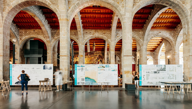 Exhibition Barcel/on/a/line. Green urban strategies from river to river