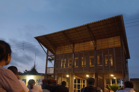 Living and working in stylish simplicity. La Comuna in Huaquillas, Ecuador