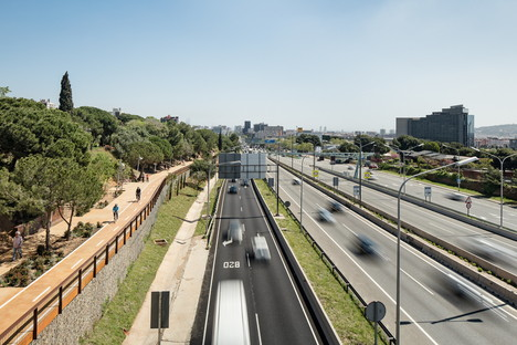 A bike path by Batlle i Roig