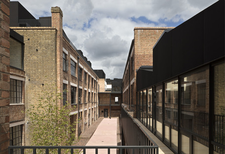 Henley Halebrown, De Beauvoir Block