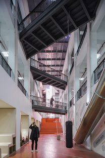 The Red Arrow, a playful makeover in Shanghai by 100architects