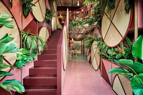 Masquespacio designs Kaikaya tropical sushi restaurant