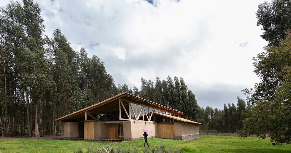 Casa Lasso by Rama Estudio, sustainability and tradition