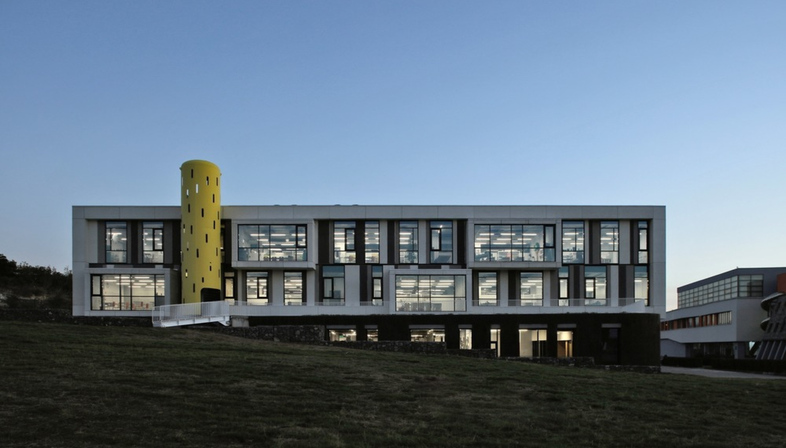 A school in Yerevan, Armenia by Storaket Architectural Studio